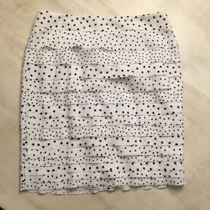 White House/Black Market skirt. Polka dots. Size 8